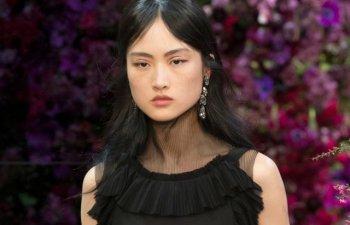 Aparitia unui model chinez cu pistrui intr-o campanie pentru produse cosmetice a generat controverse