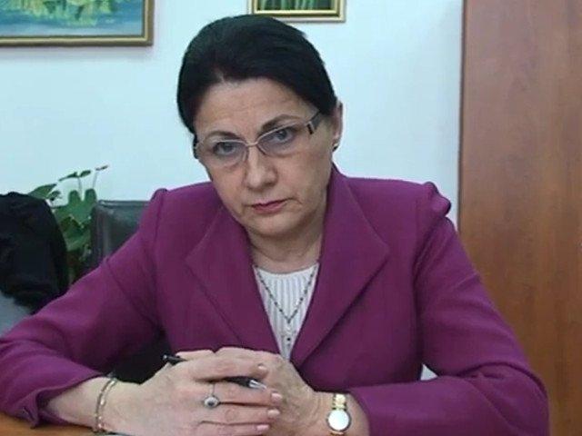 "Ecaterina Andronescu, interpelata de USR in Senat, cu privire la cheltuirea banilor pentru programul ""Masa calda in scoli"""