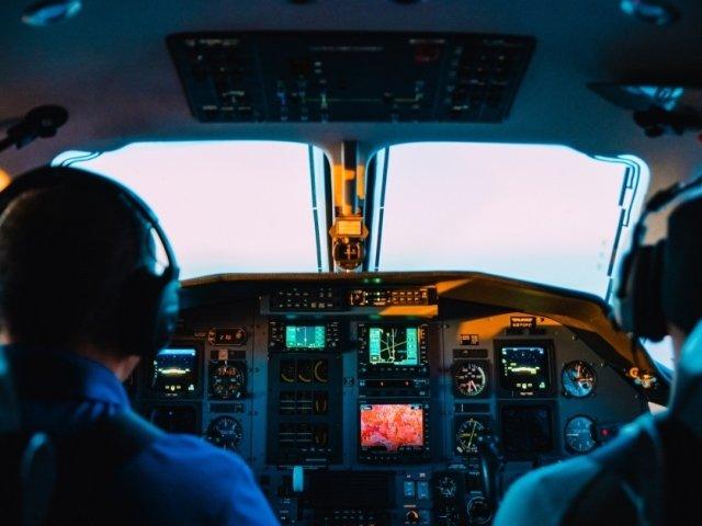 A fost descoperit un pilot cu diploma falsa. Barbatul a pilotat avioane timp de 20 de ani/ VIDEO