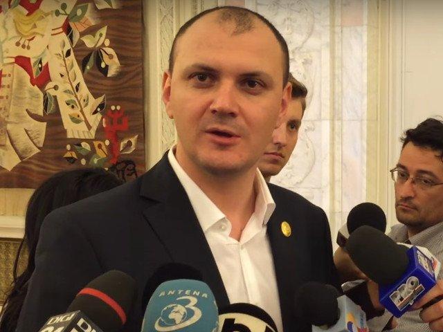 Sebastian Ghita, amenintari la adresa gruparii #Rezist: Daca politia nu-i ia de pe strazi, o sa ne luam la bataie cu ei/ VIDEO
