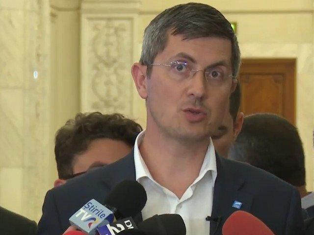 Dan Barna: Daca avem acelasi buget pe masa, USR va vota impotriva
