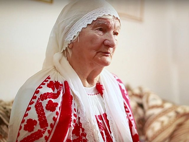 """Adela Petre, detinatoare a titlului UNESCO de """"Tezaur Uman Viu"""", a murit la varsta de 90 de ani"""