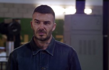 David Beckham, victima unei farse: jucatorului i s-a dezvaluit o statuie
