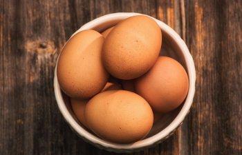 Un nou studiu asociaza consumul de oua si colesterol cu o crestere a riscului de boli de inima