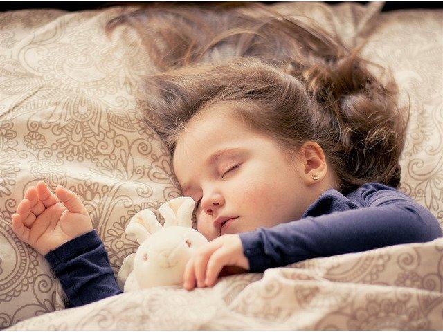 Somnul insuficient poate pune in pericol sanatatea copiilor si adolescentilor