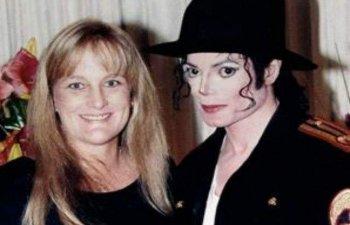 Debbie Rowe, fosta sotie a lui Michael Jackson, recunoaste ca cei doi copii ai artistului au ca tata un donator anonim