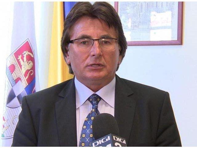 OPC ii cere aviz psihologic de munca la inaltime lui Nicolae Robu, dupa ce a taiat cablurile de internet