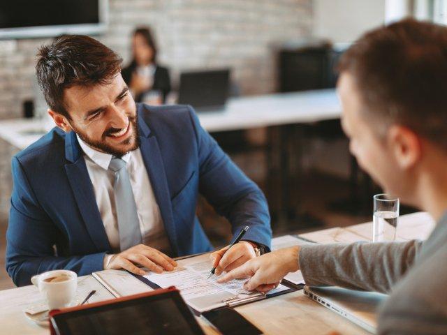 Esti in cautarea unui nou loc de munca? Sfaturi utile ca sa-ti cresti sansele la angajare