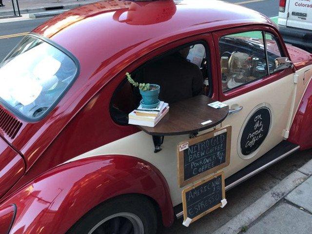 Proprietari de cafenele care nu duc lipsa de imaginatie: 10+ idei care atrag mai multi clienti