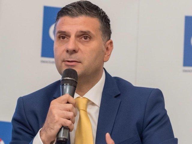 Ministrul Comunicatiilor: Iohannis a furat startul in campania pentru prezidentiale, a pornit erodat si e deja epuizat