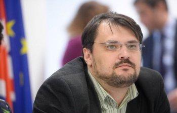 Cristian Ghinea, catre Tariceanu: USR asta te-a scos afara din ALDE european, fanfaron batran!