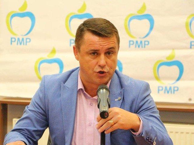 Un primar a intrat in greva foamei, in fata Ministerului Sanatatii