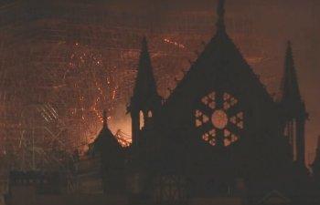 Pompieri: Structura catedralei Notre Dame