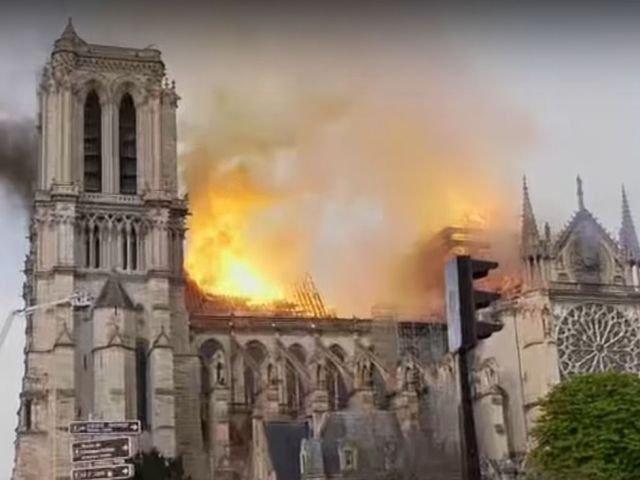 Incendiu la Notre-Dame: Mesaje de solidaritate din intreaga lume/ FOTO/ VIDEO
