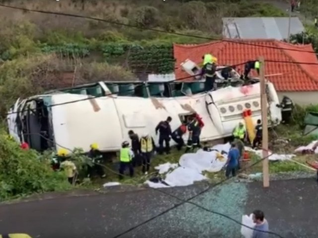 29 de turisti germani au murit intr-un accident rutier pe insula Madeira/ VIDEO