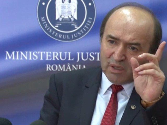 Toader: Ii prezint premierului demisia din functia de ministru al Justitiei