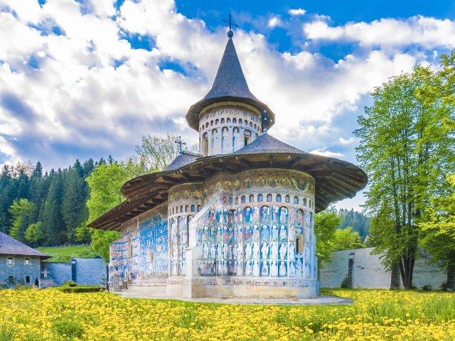 10+ destinatii ideale pentru vacanta de Paste 2019. Cinci dintre ele se afla in Romania