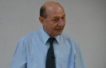 Basescu: Dragnea declanseaza o criza politica, obligand trei ministri sa demisioneze prematur, doar pentru a-si reafirma puterea si autoritatea