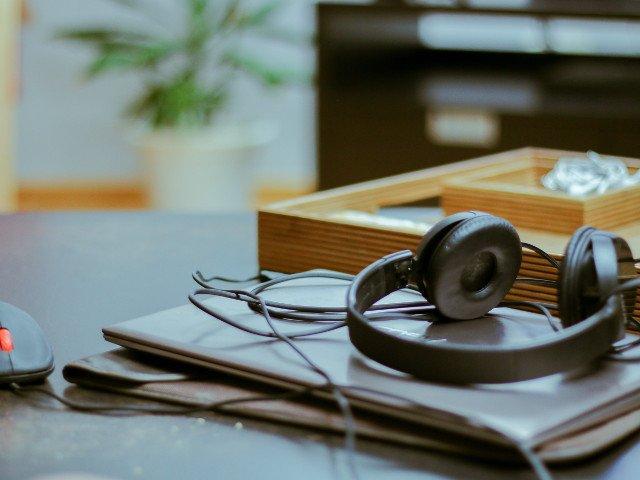Cinci dispozitive de care ai nevoie pentru biroul de acasa