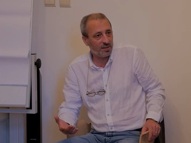 Liviu Avram, despre referendum: Cele doua intrebari lasa un bulevard urias Parlamentului sa faca ce vrea el