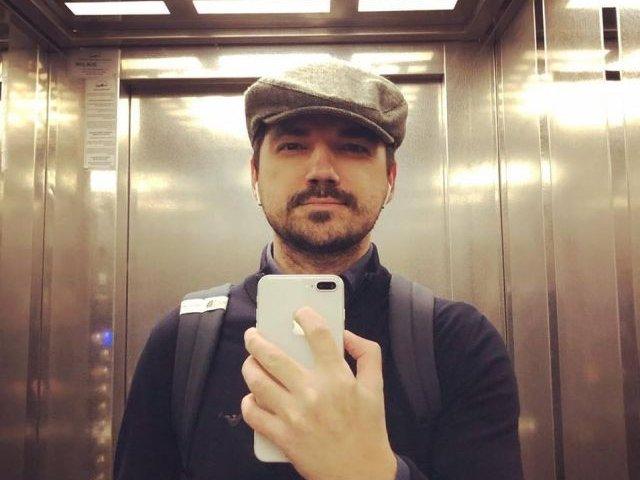 "Medicul Vasi Radulescu: Imi doresc o tara cu oameni care nu mai considera o moarte ""meritata"" prin prisma orientarii sexuale"