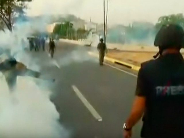 69 de persoane au fost ranite in violentele de la Caracas/ VIDEO
