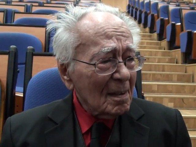 Reactia Tarom, dupa mesajul transmis de Mihai Sora in care spune ca nu a putut sa-si selecteze anul nasterii pentru a-si rezerva bilet