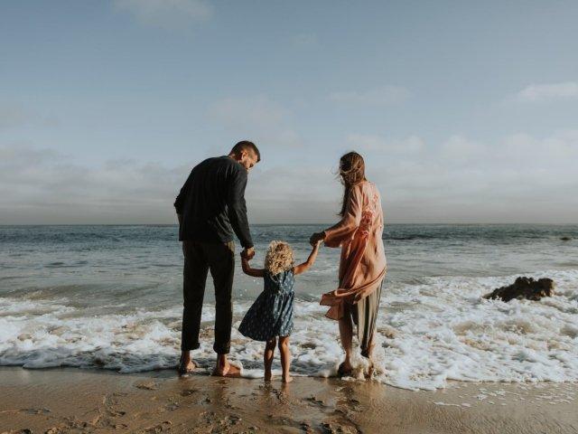 6 greseli pe care le fac parintii, in conceptia unei bone cu experienta