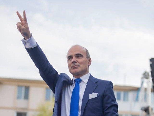 Rares Bogdan: Nu poti conduce Romania cu Codrin Stefanescu, cap de cauciuc, cu Mitraliera-Radulescu, cu bolsevicul Nicolicea