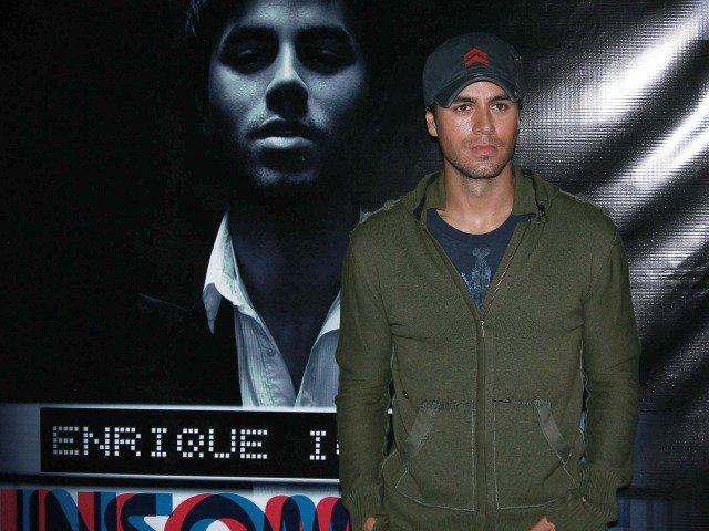 I-a dedicat primul album bonei: 10+1 lucruri mai putin cunoscute despre Enrique Iglesias