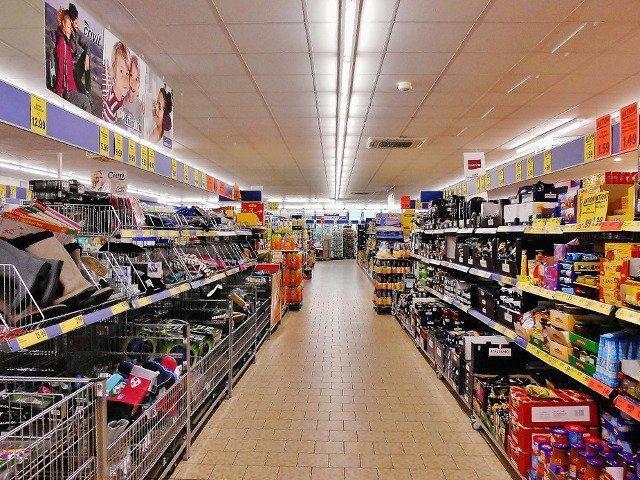 Decizie a Comisiei Europene: Margarina, chipsurile, popcornul, mezelurile si supele la plic interzise din 2021