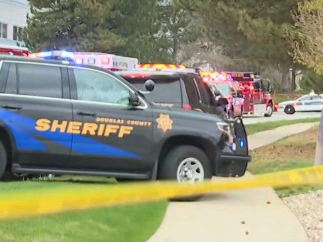 Un elev a fost ucis si alti sapte raniti intr-un atac armat la o scoala din Denver