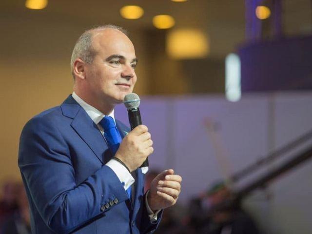 Rares Bogdan: Luni la ora 19:00 vom veni cu cel mai serios, cel mai complet, cel mai puternic program, programul PNL