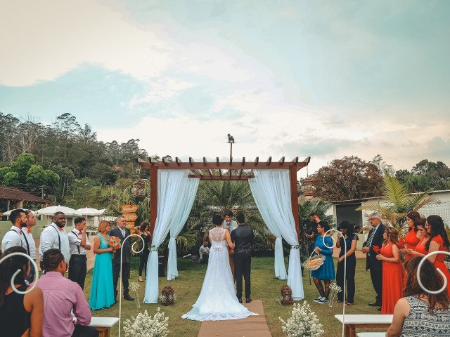 10 greseli pe care le fac invitatii la o nunta, din perspectiva unui organizator de nunti