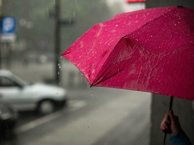 Sapte judete, sub cod GALBEN de ploi abundente. Instabilitate atmosferica accentuata, in restul tarii
