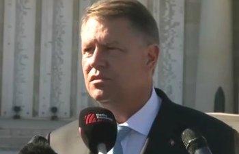 Iohannis, despre incidentele de la Topoloveni: Este revoltator ca oameni nemultumiti de un politician sa fie luati de jandarmi