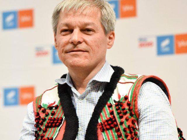 Ciolos despre incidentele de la Topoloveni: Un atac la libertatea de a te exprima este un atac la democratie