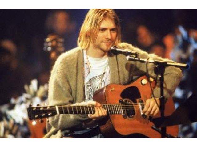 O farfurie din plastic folosita de Kurt Cobain s-a vandut la licitatie cu 22.400 de dolari