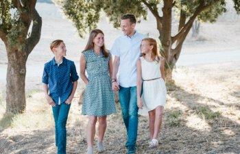 9 randuieli de Sfintii Constantin si Elena. Obiceiul respectat pentru a se aduce voie buna in familie