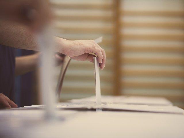 Simulare de vot pentru alegeri. Pasii pe care alegatorul trebuie sa ii parcurga