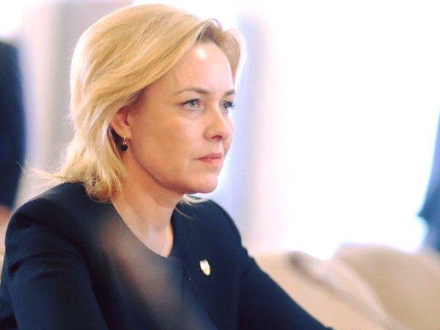 Carmen Dan: E foarte grav daca Iohannis nu stie care e diferenta intre o persoana arestata si una condusa la sectie pentru identificare