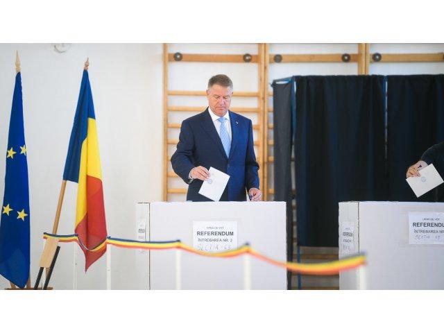 Klaus Iohannis: Chiar merita sa votati. Astazi decideti pentru urmatoarele luni, ani