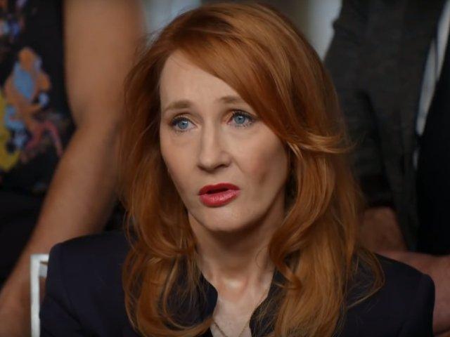 "J.K. Rowling va lansa patru noi povestiri inspirate de seria ""Harry Potter"""