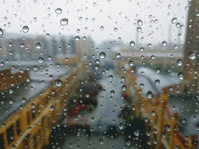 Cod PORTOCALIU de ploi torentiale, vijelii si grindina in 6 judete. Cod GALBEN in alte 17 de judete si in Capitala