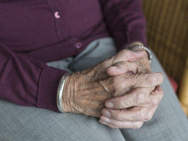 O batrana de 106 ani pune longevitatea pe seama credintei sale in Dumnezeu