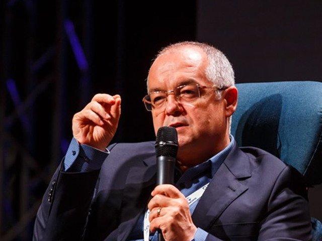Emil Boc: Generatiile urmatoare vor plati factura dezmatului actual. Sa se inteleaga ca nimic nu e gratis