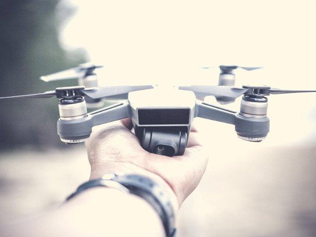 """Japonia interzice pilotarea in stare de ebrietate a dronelor: """"E la fel de grava ca si condusul sub influenta alcoolului"""""""