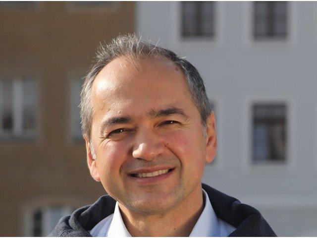 Un politician german de origine romana, sprijinit de vedetele de la Hollywood pentru primaria din Gorlitz