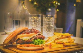 Cum deosebesti un burger oarecare de