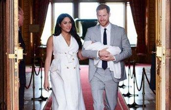 A fost publicata prima fotografie in care se vede chipul micutului Archie, fiul ducilor de Sussex/ FOTO